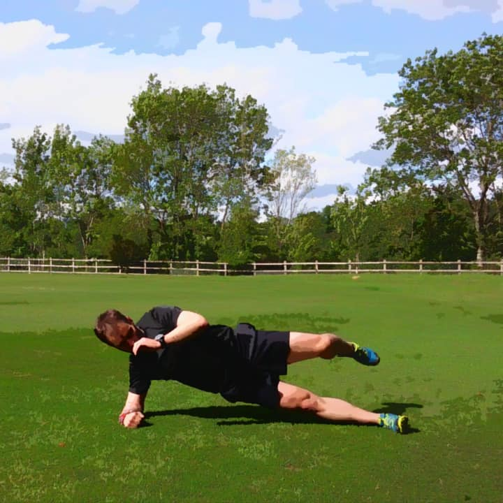 side-plank-with-swing-2
