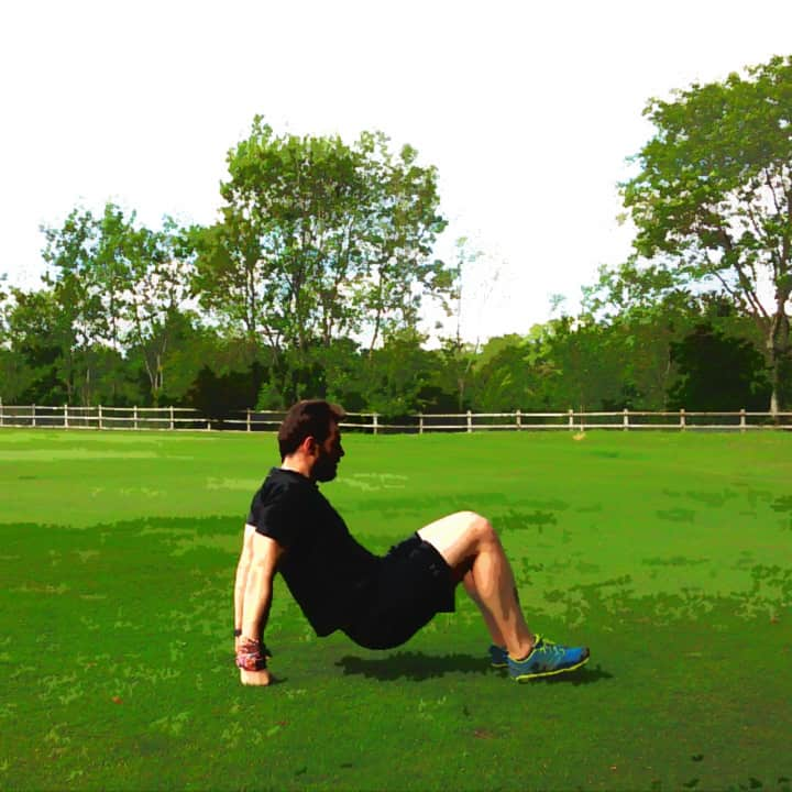 triceps-dip-on-the-ground-1